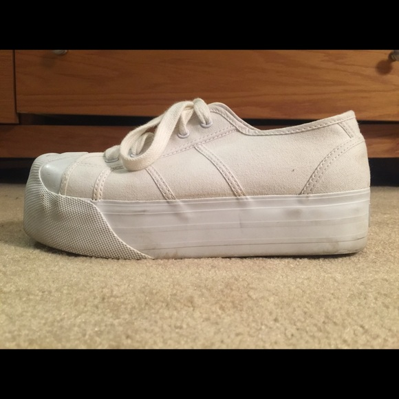 7a917158e117 Cathy Jean Shoes - Retro vntg Cathy jean 90 s platform sneakers shoes